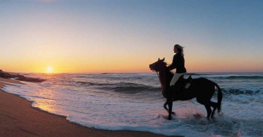 horse-riding on Zimbali's beach